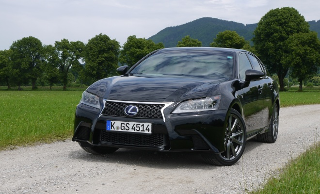 2012 Lexus GS450h F-Sport from the front