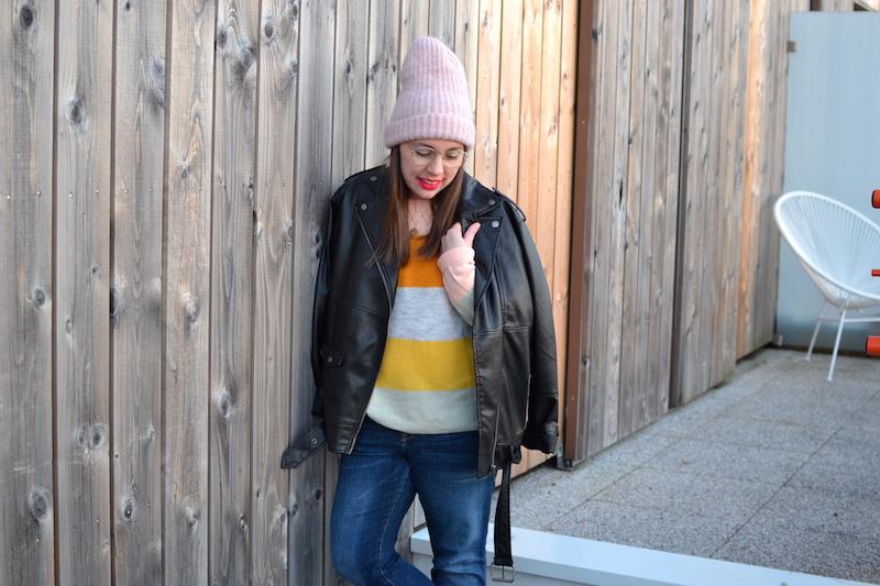 perfecto monki, pull a rayures pastel H&M, jean H&M, bonnet rose zara