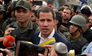 Guaidó diz a jornal que provavelmente aceitaria proposta de intervenção militar dos EUA