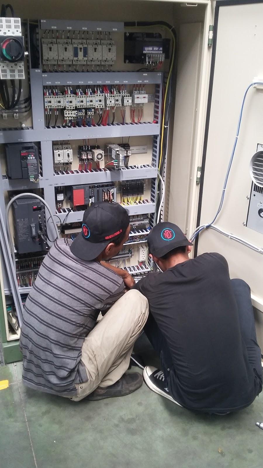 Awesome Perakitan Panel Kontrol Listrik Teknisi Listrik Wiring Digital Resources Anistprontobusorg