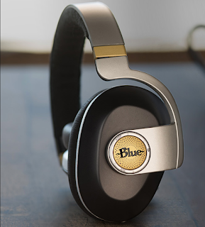Blue Satellite Premium Wireless Noise-Cancelling headphones