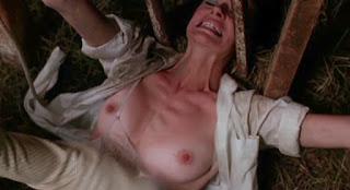 Marilyn hamlin, savage weekend, seins nus, marquée au fer rouge, slasher, horreur