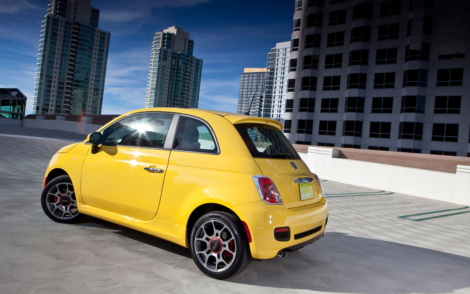 cars model 2013 2014 fiat custom shop to offer factory backed performance parts accessories. Black Bedroom Furniture Sets. Home Design Ideas