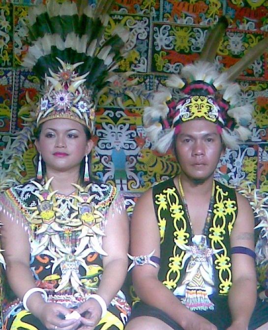 Indonesian Culture Ensyclopedia: Dayak Tribe Clothes: Blend With the Natural Beauty
