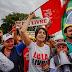 Manuela d'Ávila admite abrir mão de candidatura por união da esquerda