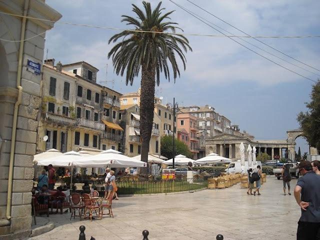 Πάσχα στην Κέρκυρα - Όσα δε μας λένε οι ντόπιοι