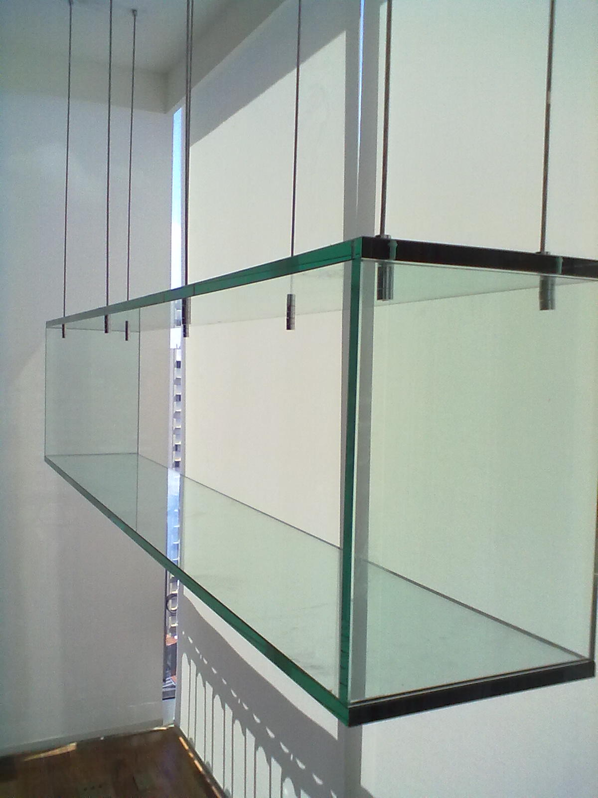 foto de nicho de vidro suspenso.
