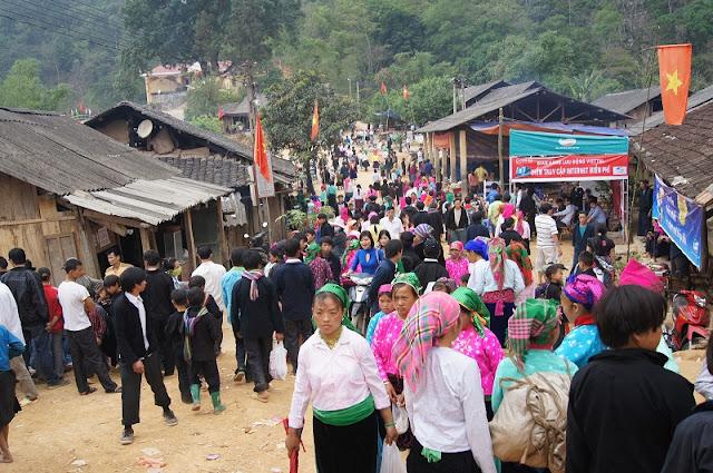 Ha Giang opens Khau Vai Love Market Festival 2017 1