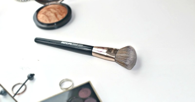 Look Good Feel Better Angled Contour Brush