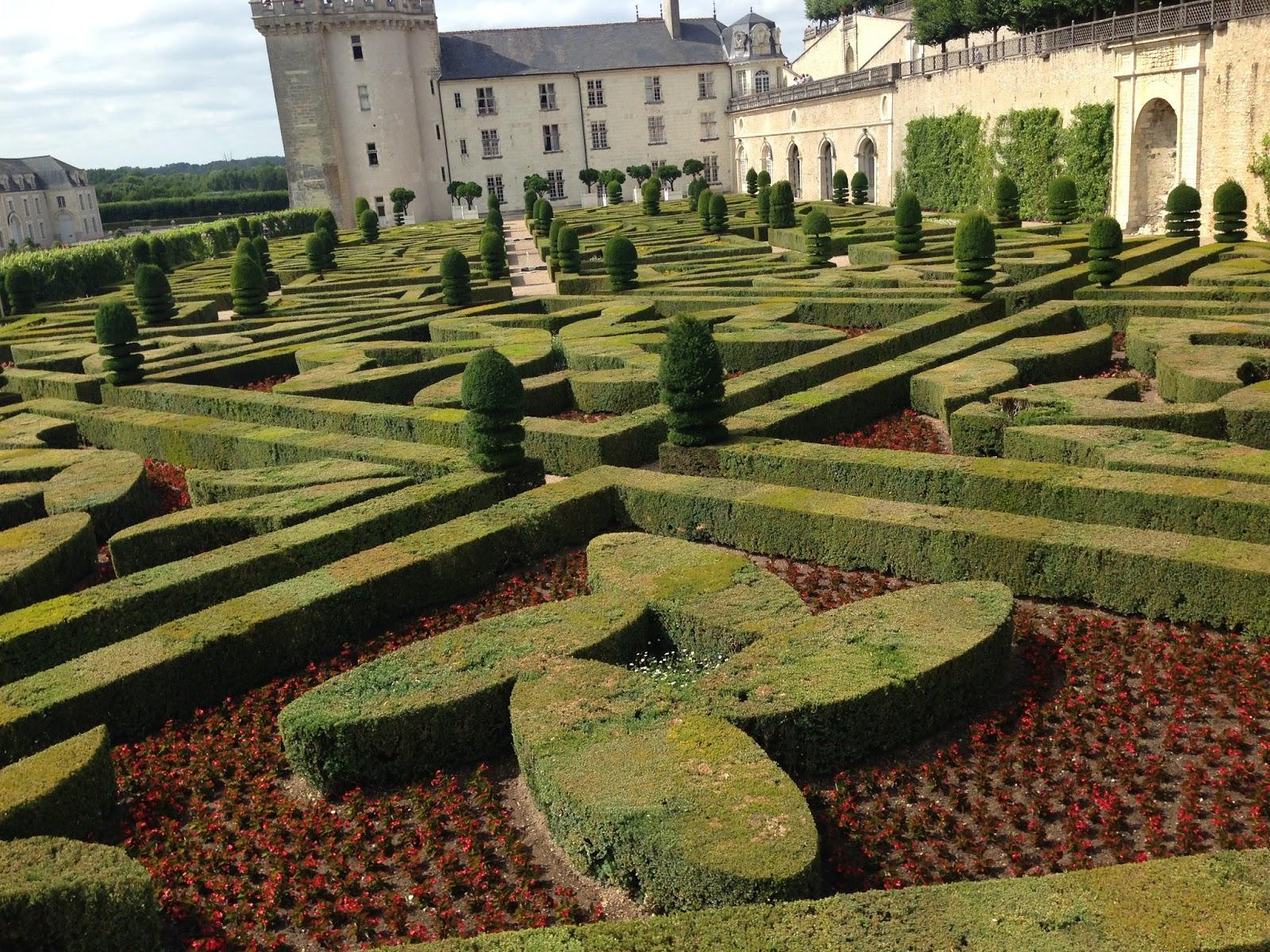 wspaniałe renesansowe ogrody przy zamku Villandry