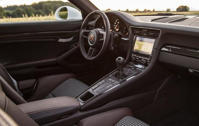 2017 Porsche 911 R Interior