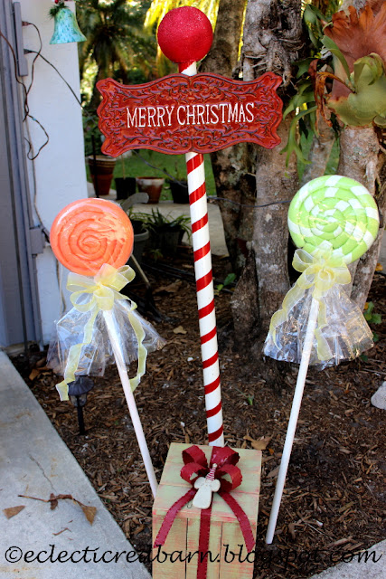 Eclectic Red Barn: Lollipops, Christmas pole and Christmas box