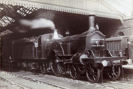 Great Northern Railways Stirling 4-2-2 1001, introduced in 1870 Image courtesy of Tony Hisgett from Birmingham released under CC BY 2.0