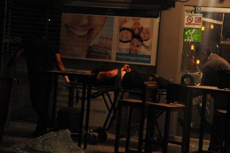 Con Cuerno de Chivo Chapeado en Oro asesinaron a tres e hirieron a 9 en bar de Culiacán