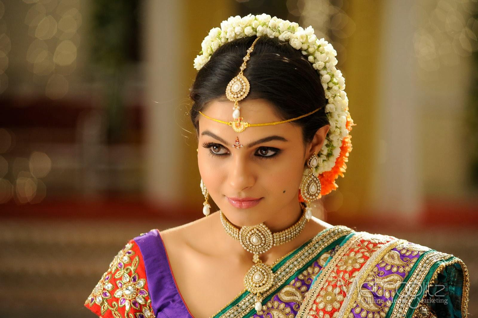 Andriya Hot Images hot actress : andriya hot in saree