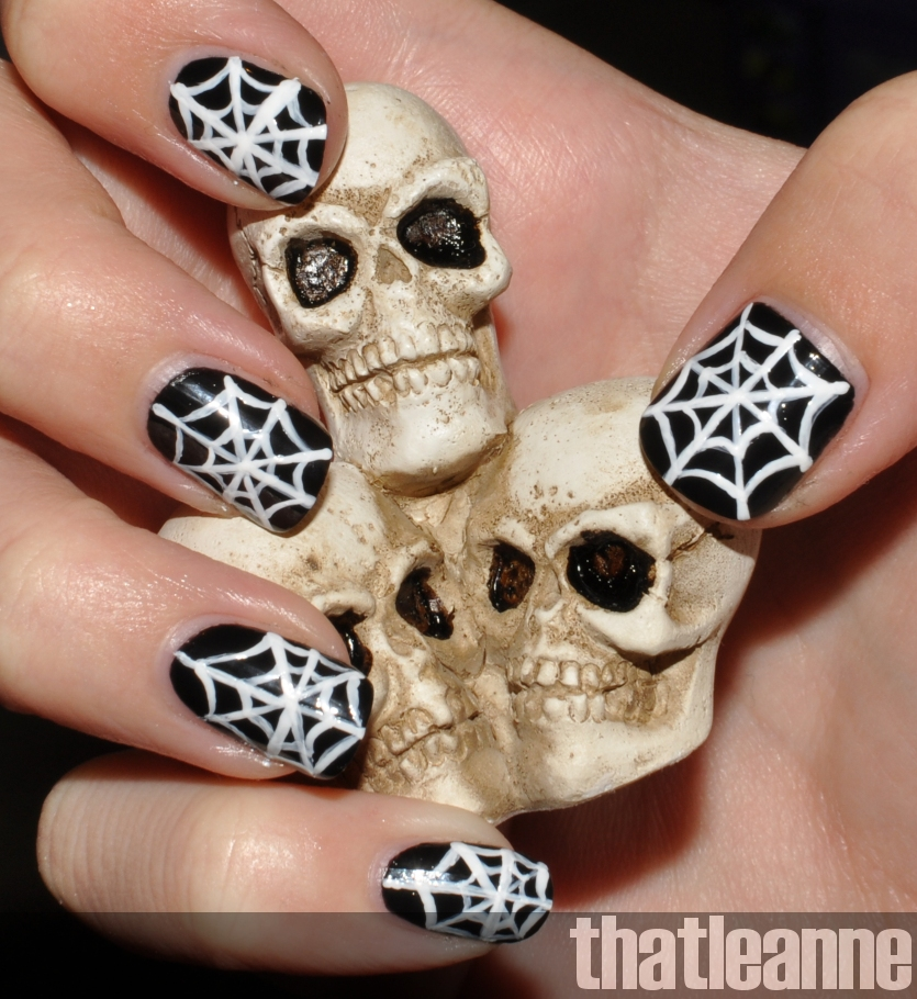 Easy Halloween Nail Art Ideas: Thatleanne: Simple Halloween Nail Art Ideas