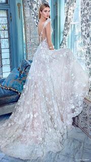 abiti da sposa con strascico, matrimonio, nozze, moda