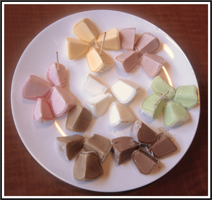 How To Eat Mochi Ice Cream