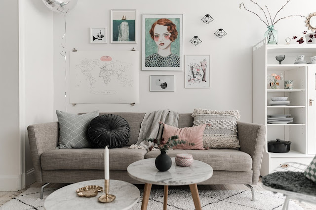 Detalii feminine și accente pastelate de culoare într-un apartament de 43 m²
