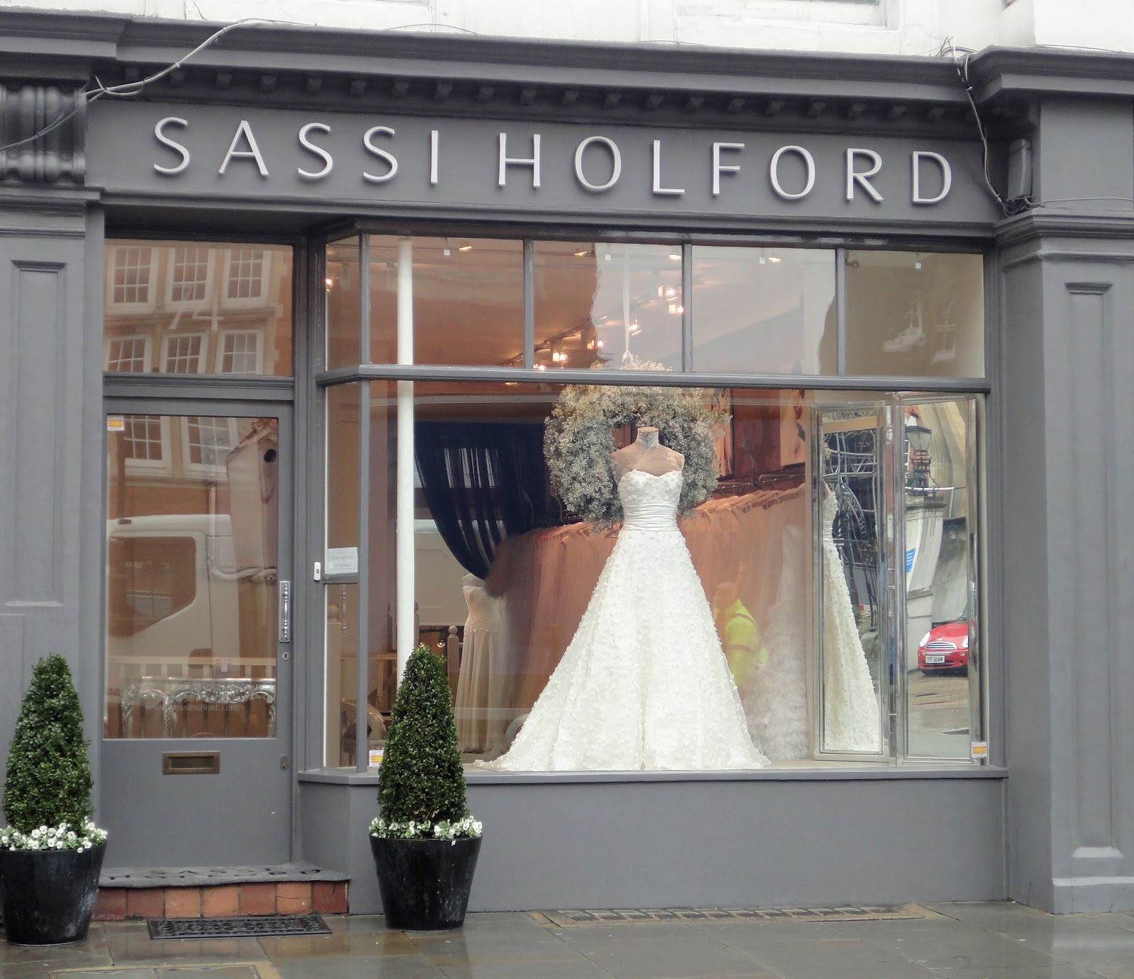 Wedding Gown Display: Be Wholehearted: Bridal Visual Merchandising In London