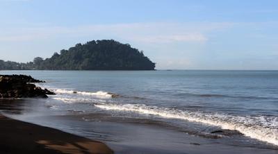Wisata Pantai Padang Sumatera