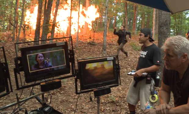 Behind the scenes The Hunger Games 2012 movieloversreviews.filminspector.com