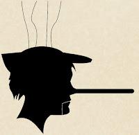 Marioneta con nariz de pinocho