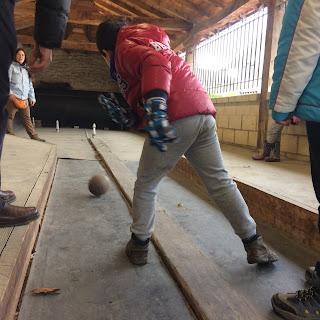 Agroturismo Arkaia. La granja de Usama. Experiencia: Bolera alavesa. Vitoria - Gasteiz