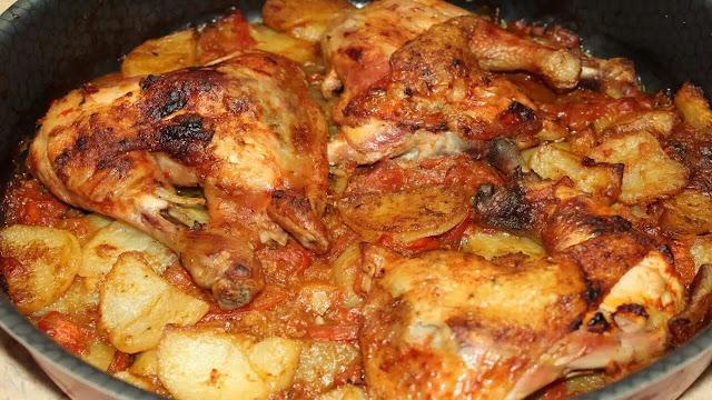طريقة تجهيز صينية بطاطس بالدجاج مع الطماطم بالفرن