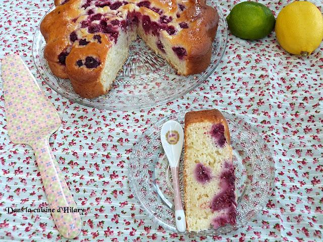 Gâteau fondant citron, citron vert et framboises