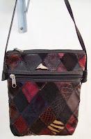 Bolsa transversal retalhos de couro em losangos