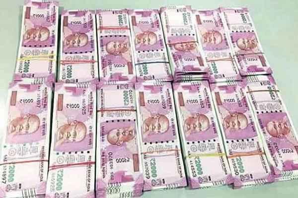 गुरुग्राम में दिल्ली-जयपुर राजमार्ग पर 15 लाख रुपये जब्त