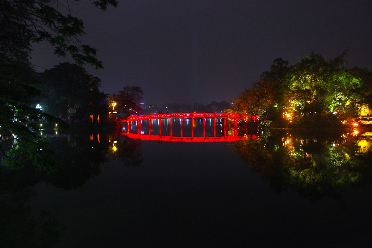 hoan kiem lake the huc bridge