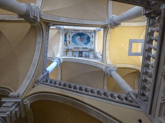 scalone monumentale del palazzo francesco balbi piovera