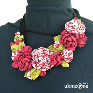 Aksesoris wanita berbahan kain perca batik produk D'C&C Craft UKM-IKM Semarang | UKM Zone