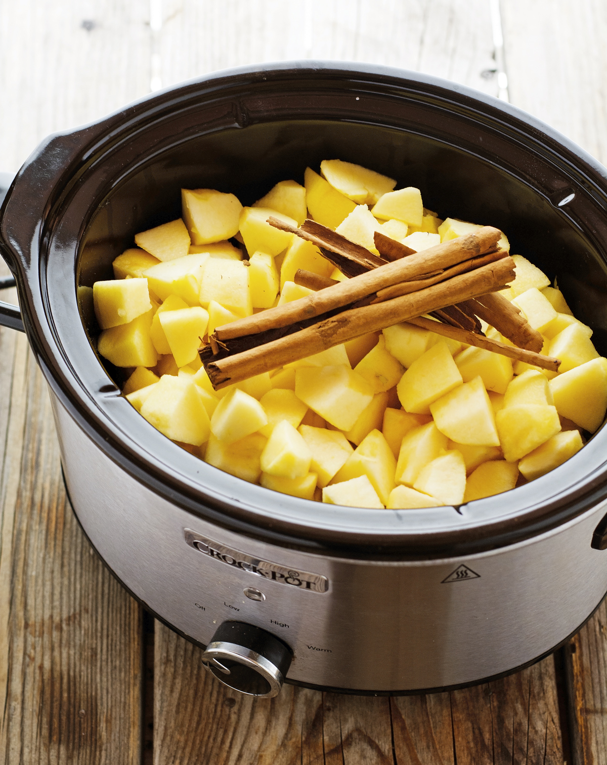 Crock Pot Cinnamon Applesauce (No Added Sugar)