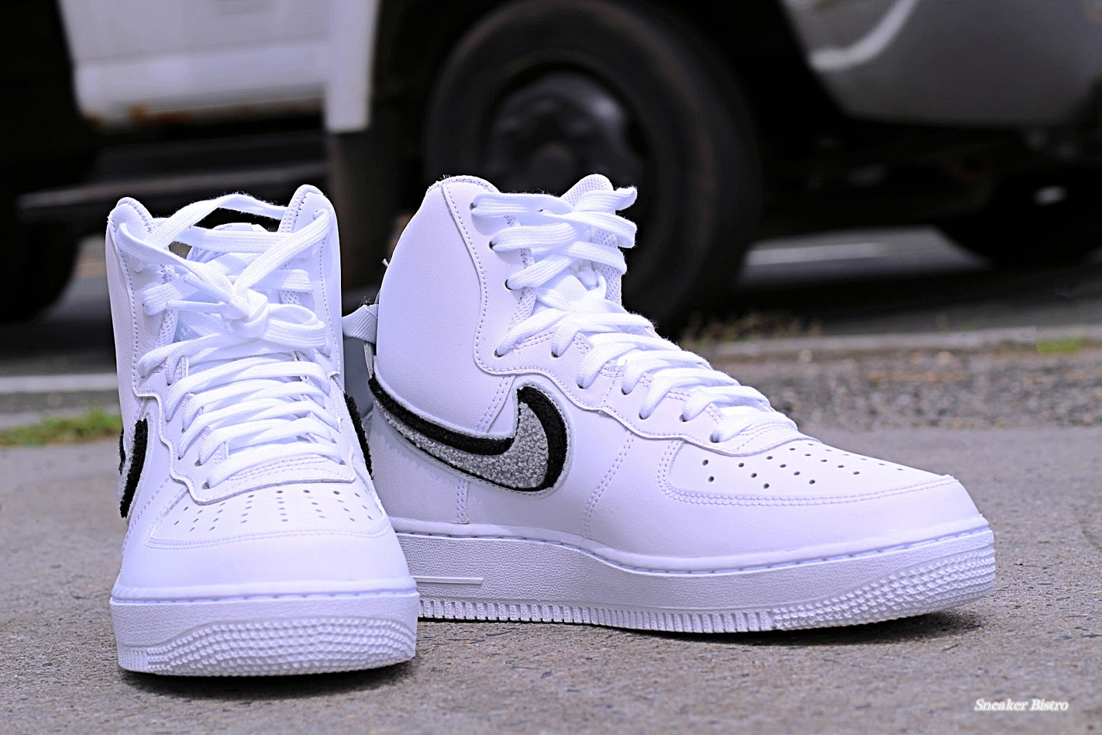 sale retailer e1c78 ea396 Nike Air Force 1 07 LV8 Chenille Swoosh