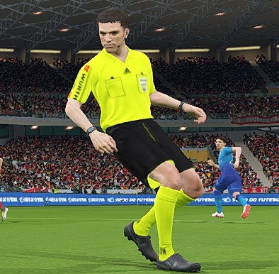 PES 2018 LaLiga Referee Kit Pack