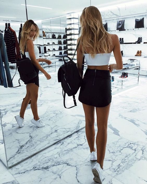 Alexis Ren is Back At It Again