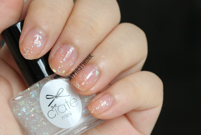 Ciaté Mini Mani Month 2013 calendar door 1 : PP146 - snow globe swatch