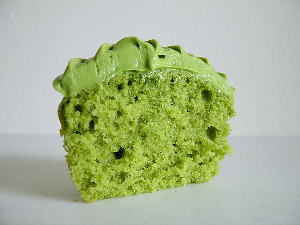 Resep Kekinian : GREEN TEA CUPCAKE Ala Toko Roti kenamaan di Negeri ini.