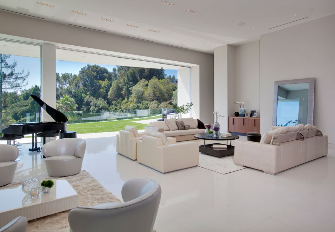 Contemporary Living Rooms: Large Modern Home With Lovely City Views, Bel Air, Los