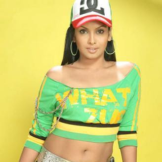 Jyothirmayi hot navel show photos in saree