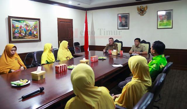 Plt Bupati dr. Buntaran saat menemui PD Aisyiah Lumajang