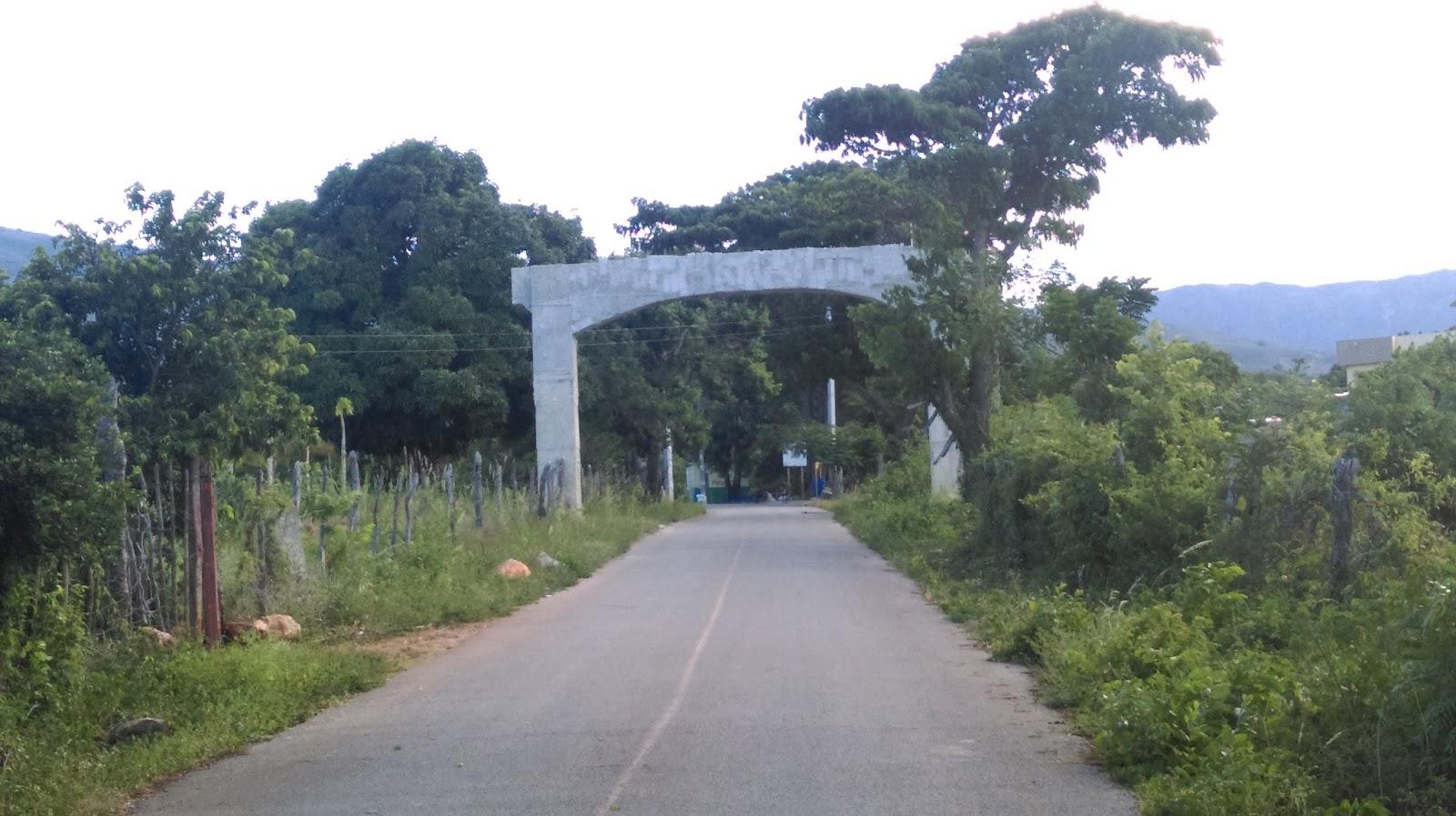 Sigue paralizada la construcción del arco de bienvenida de La Guázara