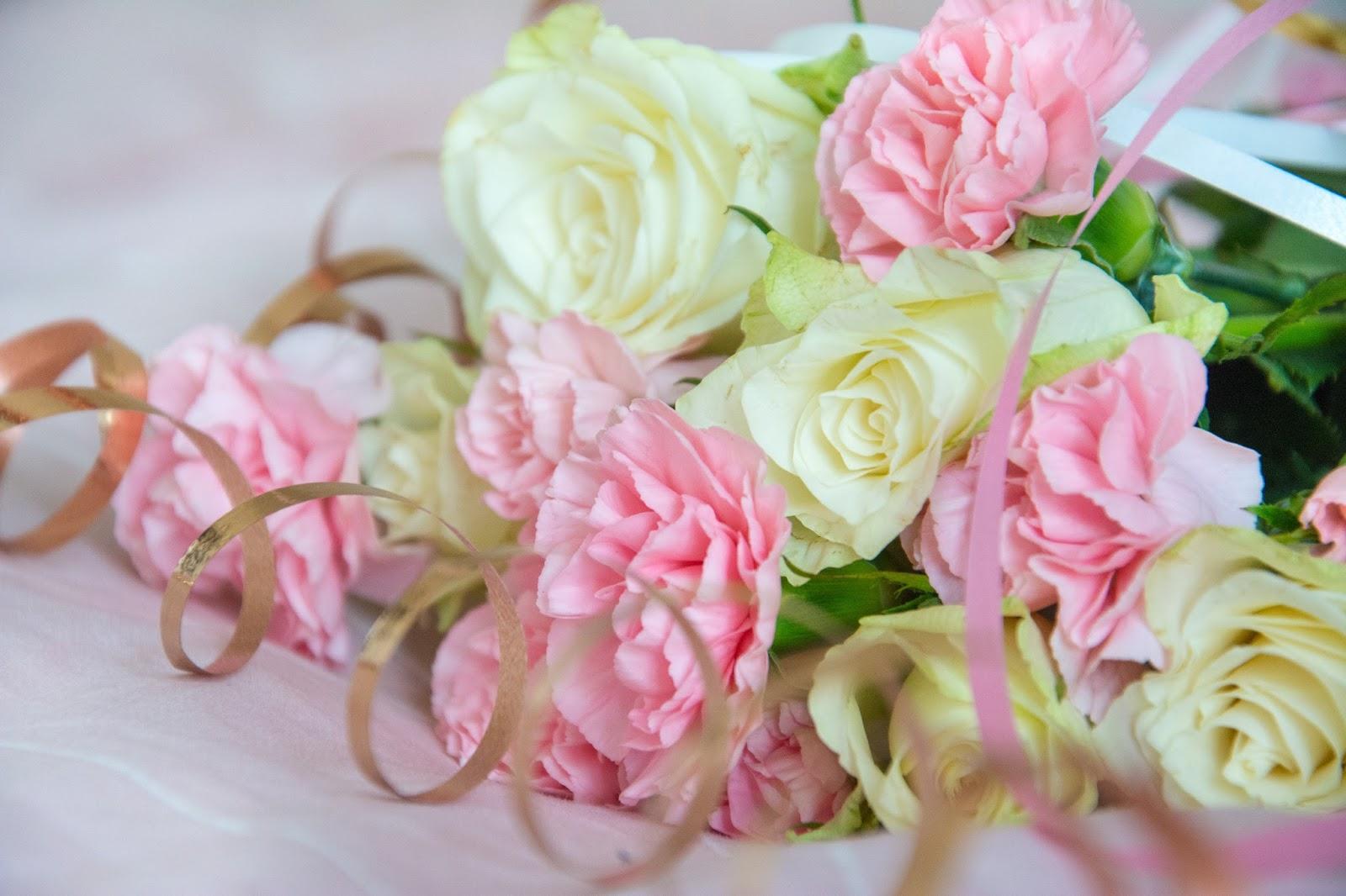 White Roses and Pink Flowers in Birthday Decorations