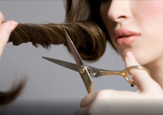 Οι αρνητικές επιπτώσεις του να κόβετε τα μαλλιά σας