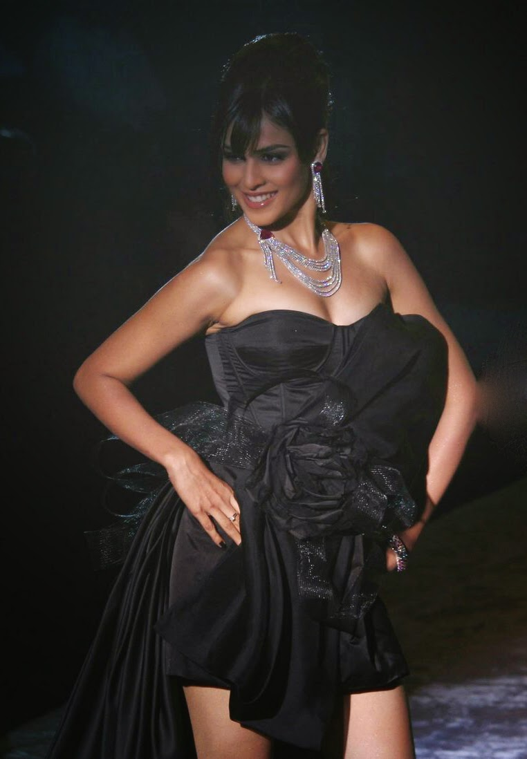 Most Sexiest And Hot Bollywood Actress - Instatainment