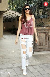 Kriti Sanon sizzles in beautiful new pics