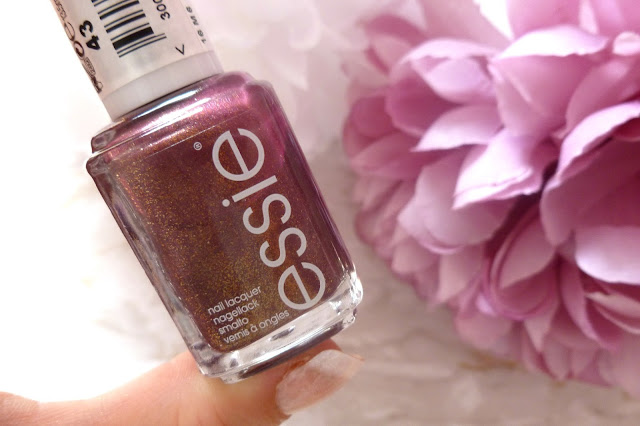 NOTD And Review - Essie It's Genius